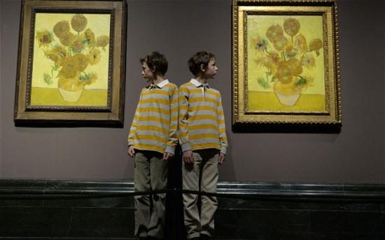 梵高两幅《向日葵》画作65年来首次同展出(图)