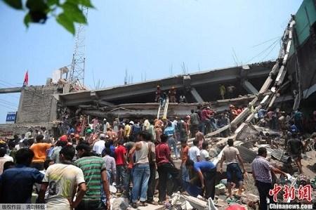 孟加拉国制衣厂倒楼事故一女幸存者疑似自杀