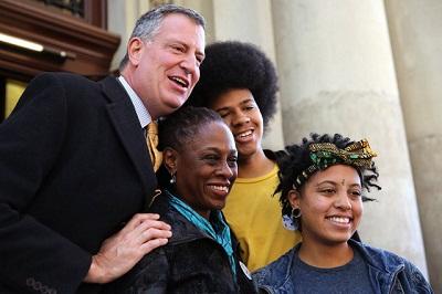 美国纽约新任市长白思豪就任誓言消除不平等