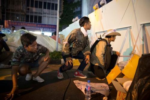 泰反政府街头抗议撕裂社会政治斗争无和解迹象