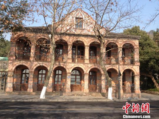 图为杭州西湖著名会所。