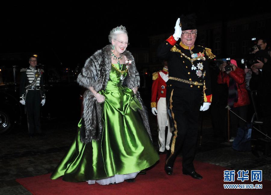 (国际)(1)丹麦女王举行新年招待会