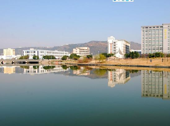 经初步整治的庆澜河中段河流。