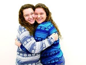 """美国两女子被证实为""""姐妹"""" 父亲为同一捐精者"""