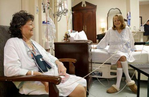美国一对姐妹同时换肺器官来自同一捐赠者(图)