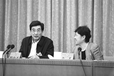 """郭金龙:推居住证改革""""善待每个来京的人"""""""