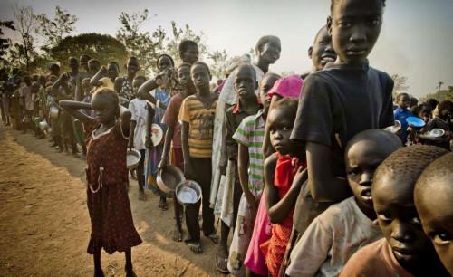 南苏丹冲突致儿童受磨难儿基会包机送救援物资