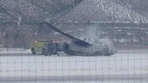 美国科州一私人飞机降落时坠毁已致1死2伤(图)