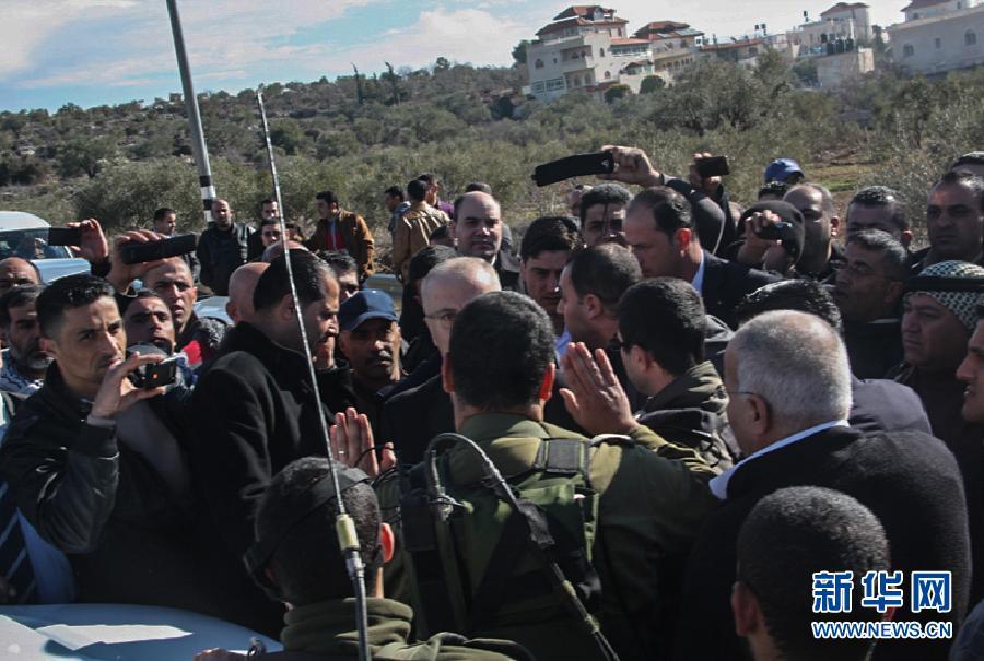 (国际)(3)巴勒斯坦总理车队遭以军拦截2小时