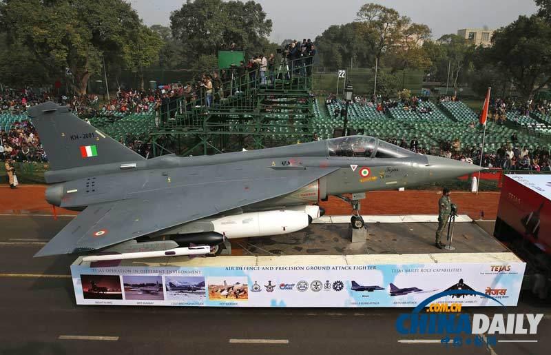 印度举行共和国日大阅兵彩排 战机坦克导弹齐登场