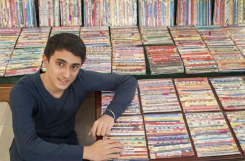 印度男孩收藏14000多支铅笔花费数百英镑(图)