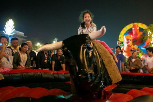 东南亚抗议者街头迎新年泰危机加剧大选或受阻