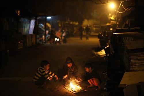 印度遭遇强烈寒流袭击首都创下17年来最低温