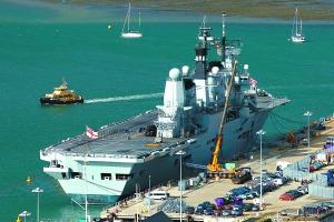 英国军方白菜价卖报废航母为省开支欲买回零件