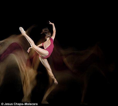 由于此次的作品大受欢迎,摄影师受到了鼓励,决定将摄影扩展到更多的舞蹈种类。
