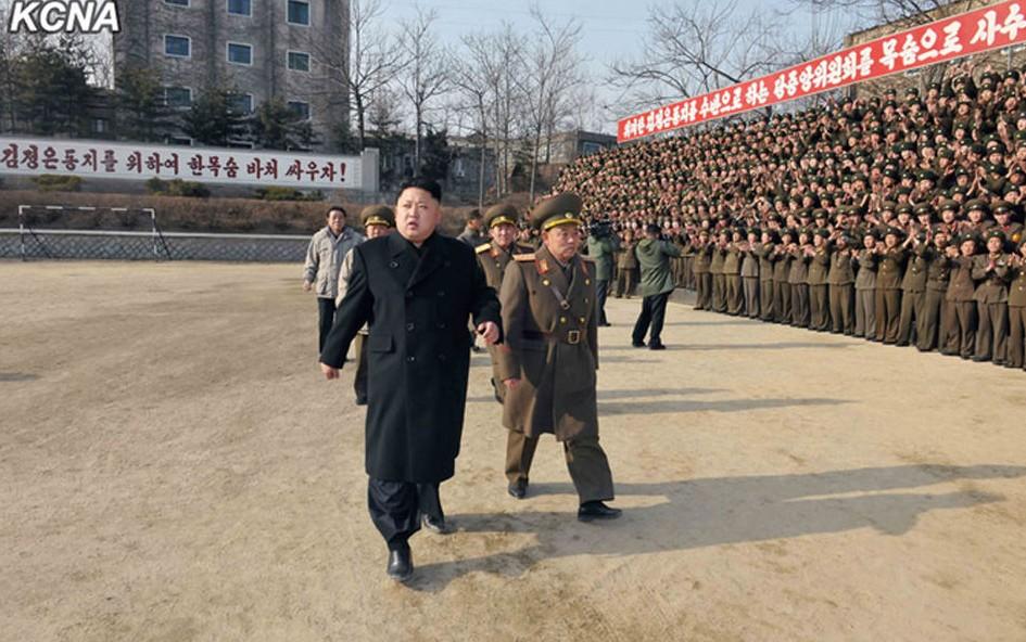 金正恩新年视察军队照片