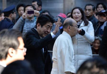 安倍即将在伊势神宫举行新年首场记者会谈施政(6)