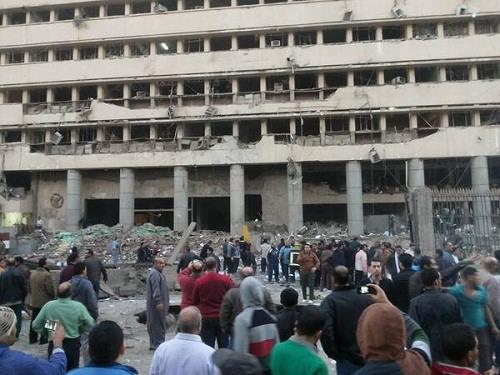 埃及首都爆炸致3人死数十人伤引发枪战(图)